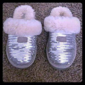 UGGs slippers kids size 1